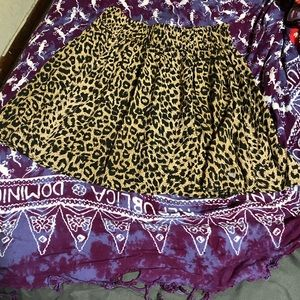Pink Victoria Secret skirt in great condition.